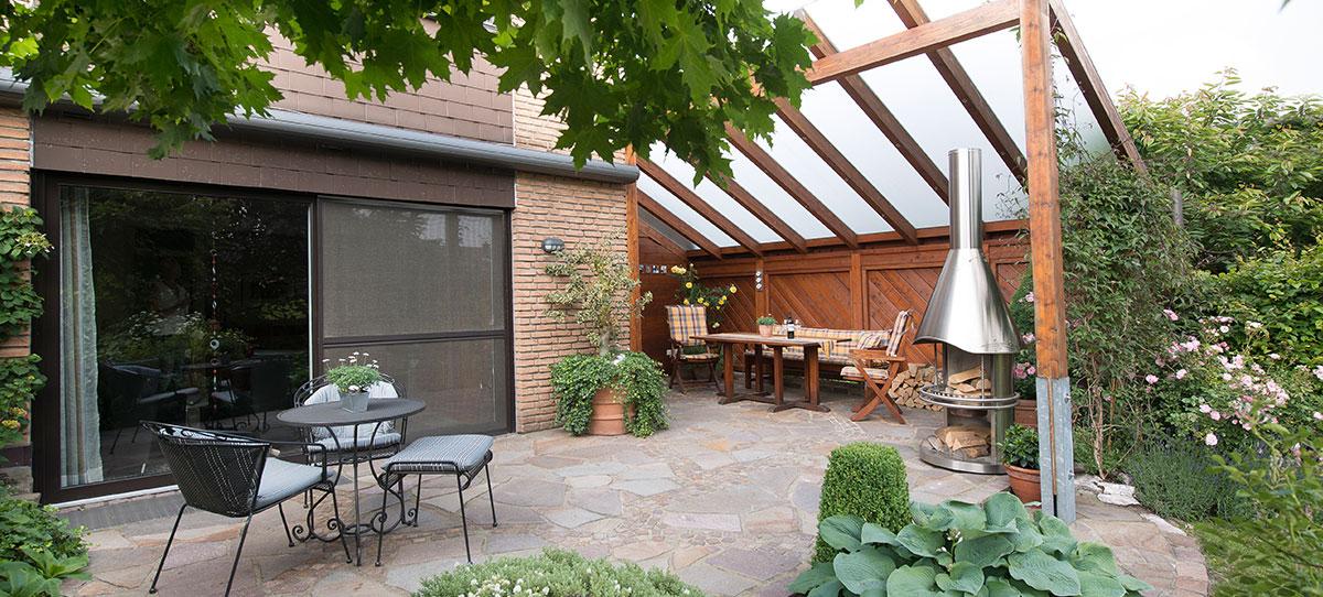 Terrassen und wege klein gartengestaltung landschaftsbau for Gartengestaltung klein